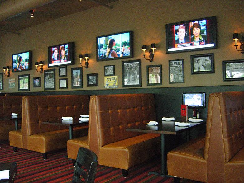 Tavern in the Square Salem interior